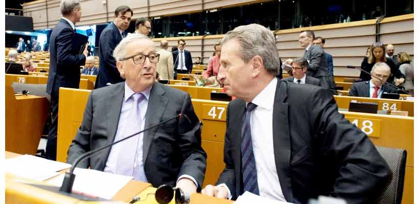 European Commission President Jean-Claude Juncker and EU Budget Commissioner Günther Oettinger
